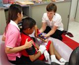 Ergothérapie au Cambodge