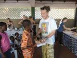 Dons de kits scolaires aux orphelins du Togo