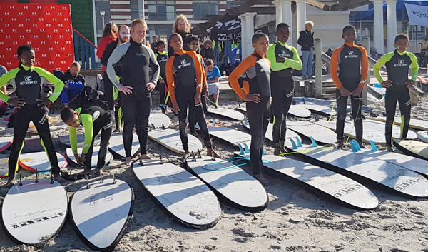 Un programme d'insertion par le surf et la natation